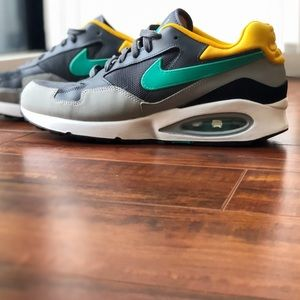 Nike Air Max ST Mens sneakers 652976 003 Size 10